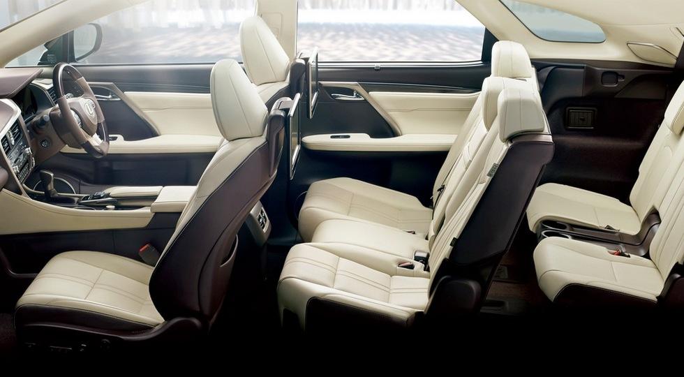 Трехрядный кроссовер Lexus RX уже на рынке