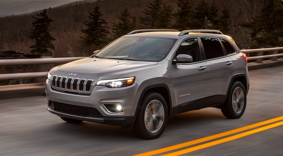(На фото обновленный Jeep Cherokee)