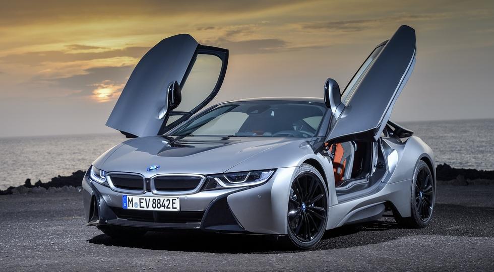 BMW i8 Roadster и BMW i8 Coupe: объявлены рублевые расценки