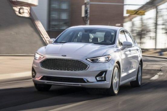 Представлен обновленный американский седан Ford Fusion