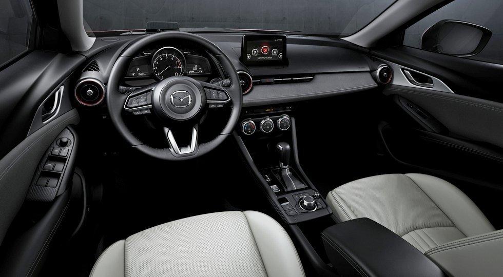 Интерьер обновленного Mazda CX-3