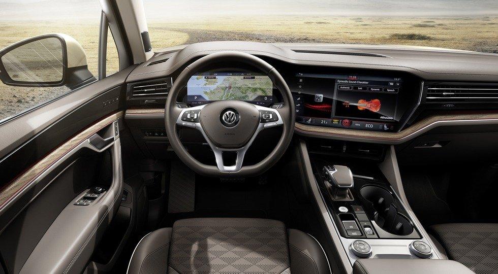 интерьер Volkswagen Touareg третьего поколения