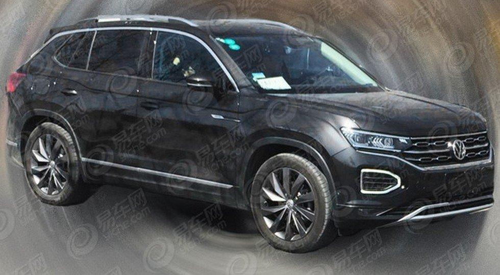 Новый Volkswagen Tayron замечен во время тестов