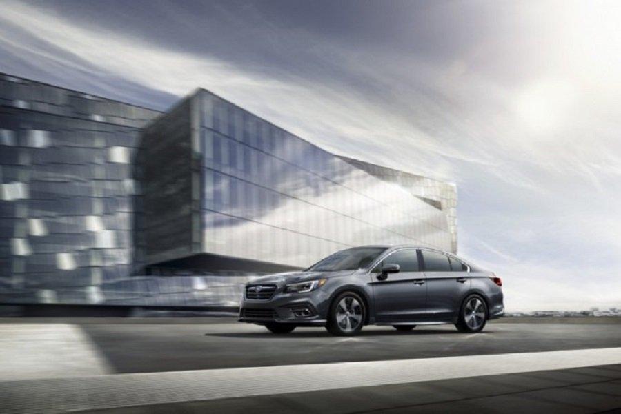Озвучены цены бизнес-седана Subaru Lgasy для России