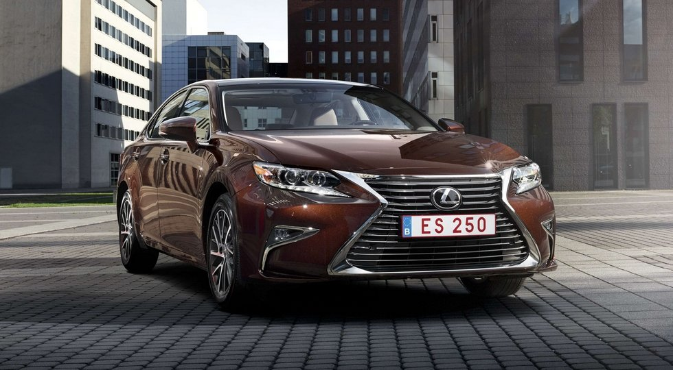 Lexus ES нового поколения: подробности и дата премьеры