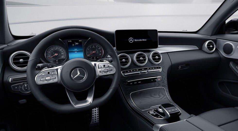 Интерьер обновленного Mercedes C200 4Matic Sport Coupe