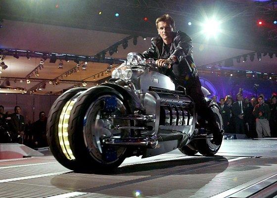 1 место -Dodge Tomahawk - самый быстрый мотоцикл в рейтинге