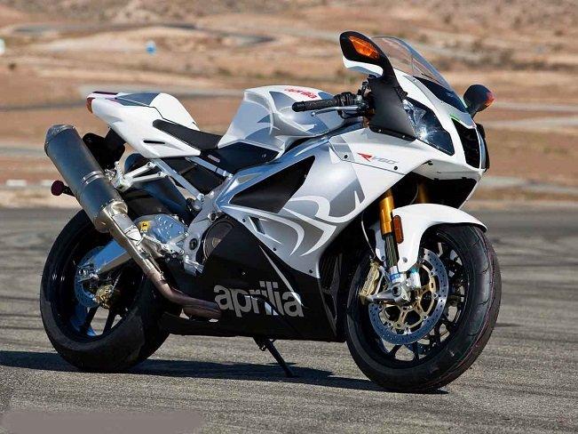 9 место - Aprilia RSV 1000R Mille в рейтинге самых быстрых мотоциклов