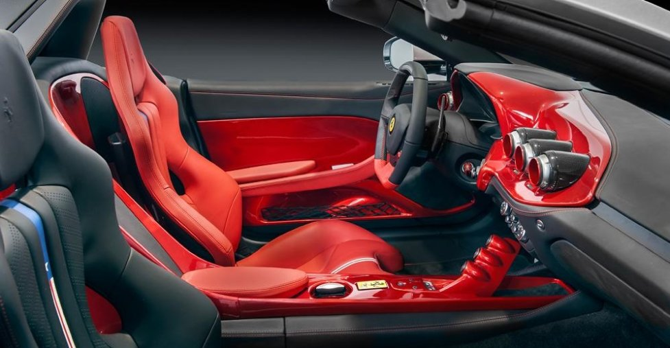 Интерьер Ferrari F60