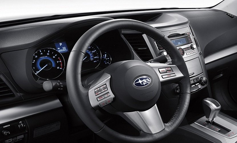 Интерьер Subaru Lgasy
