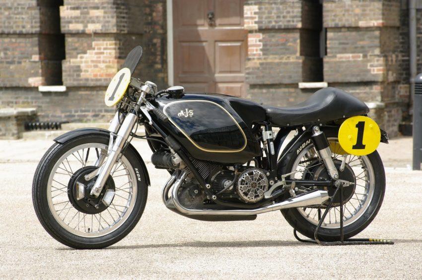 2 строчка - 1949 E90 AJS Porcupine в рейтинге самых дорогих мотоциклов в мире