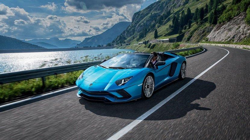 1 ступень - Lamborghini Aventador S Roadster в рейтинге лучших спорткаров