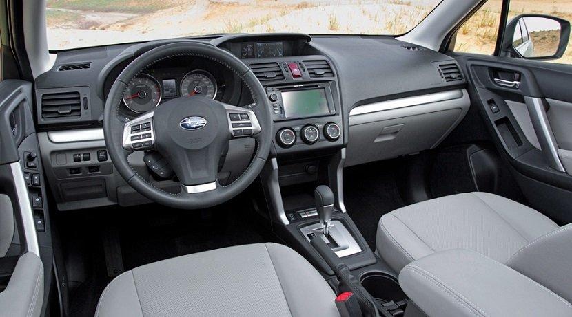 Интерьер Subaru Forester III