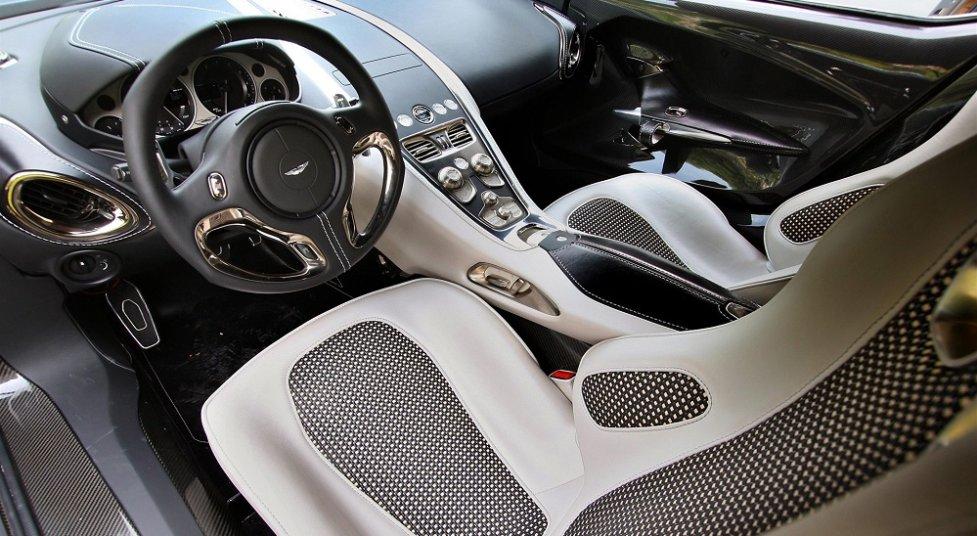 Интерьер Aston Martin One-77