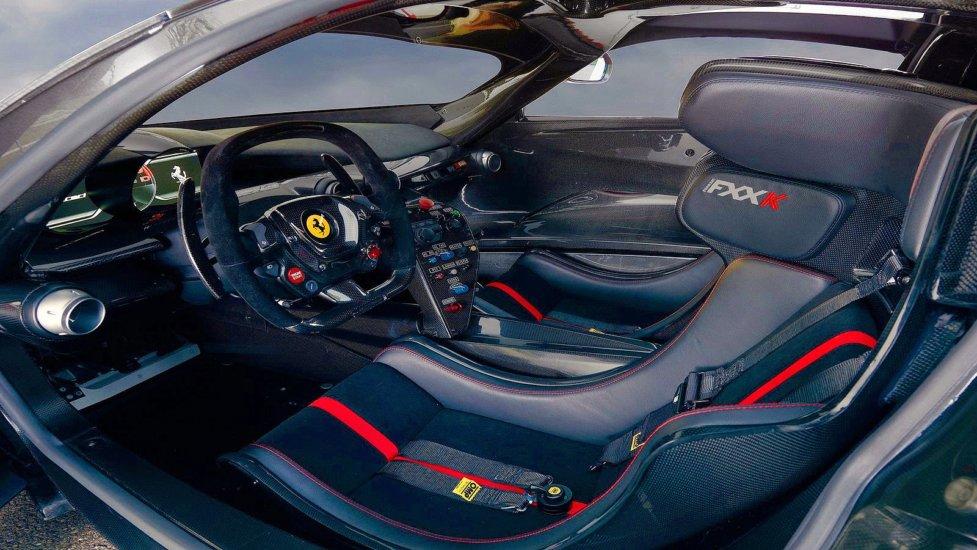 Интерьер Ferrari FXX-K