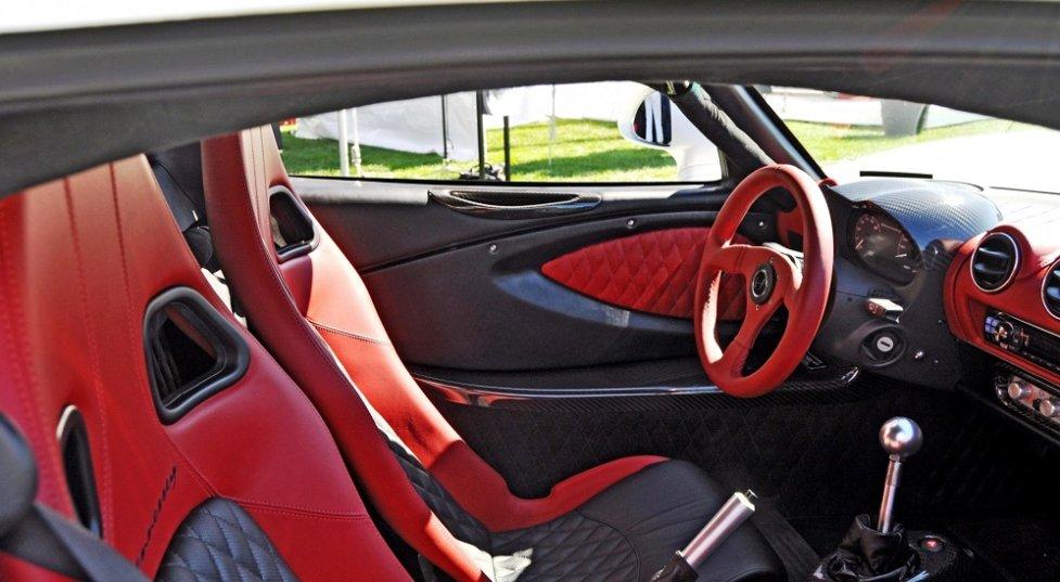 Интерьер Hennessey Venom GT