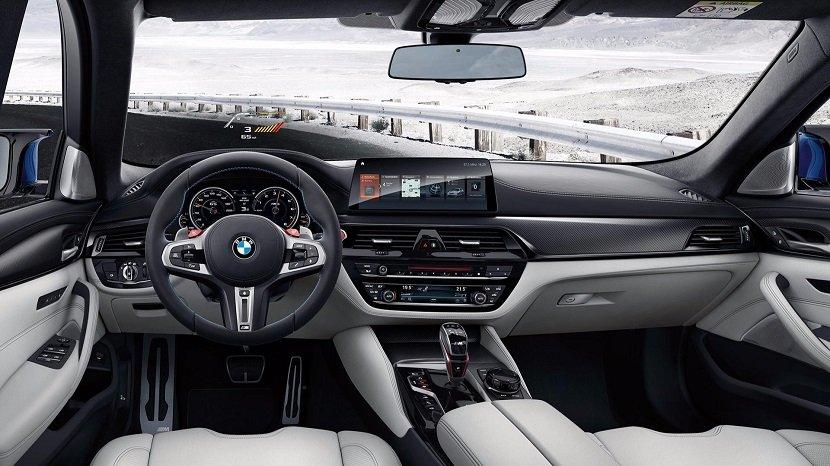 Интерьер BMW M5 Competition (F90)