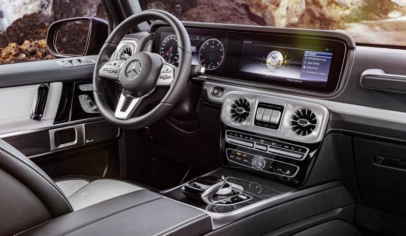 Интерьер Mercedes-Benz AMG 63