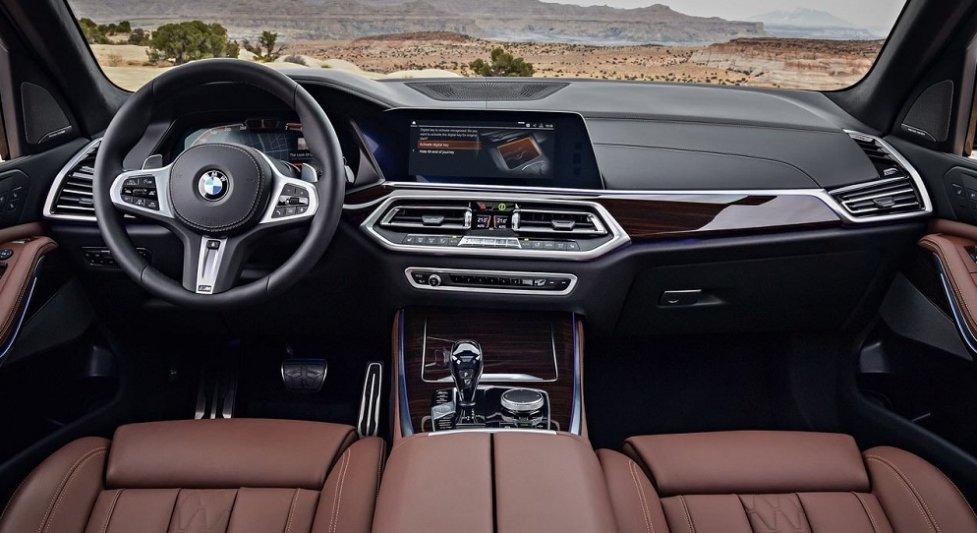 Интерьер BMW X5 2019 модельного года