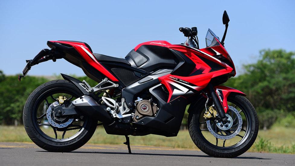 Индийский дорожный мотоцикл Bajaj Pulsar 200NS
