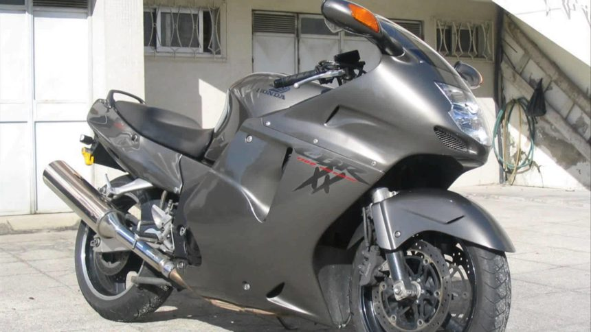 Honda CBR1100XX Super Blackbird последняя ступень среди самых дорогих мотциков