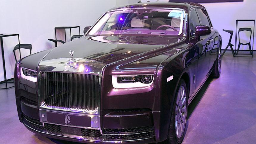 британцы показали свой самый красивый автомобиль в мире Rolls-Royce Phantom
