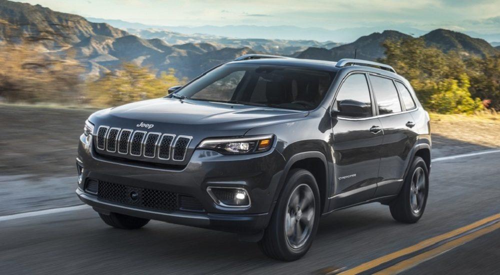 Американский премиальный кроссовер Jeep Cherokee