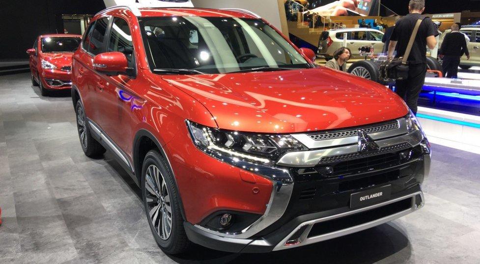 Обновленный кроссовер Mitsubishi Outlander для России