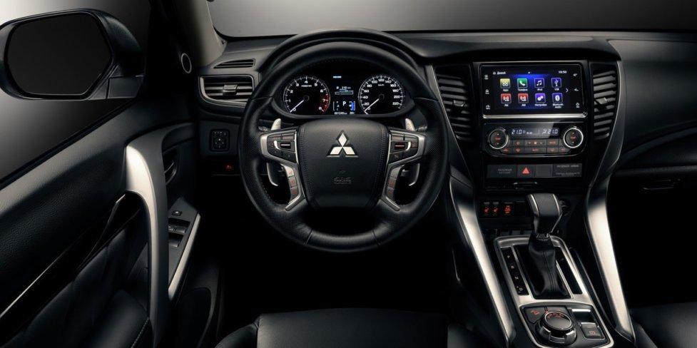 Интерьер Mitsubishi Pajero Sport 3