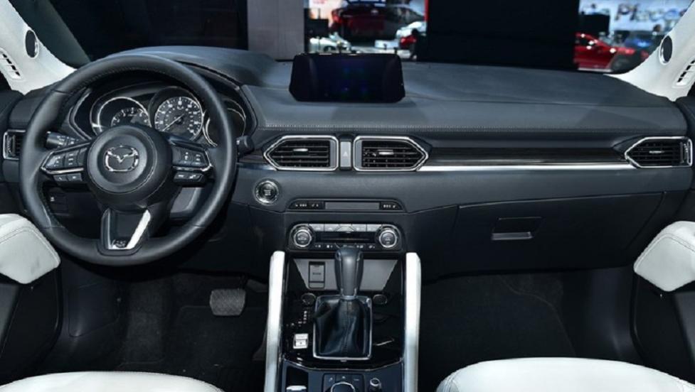 Интерьер Mazda CX-5 2019