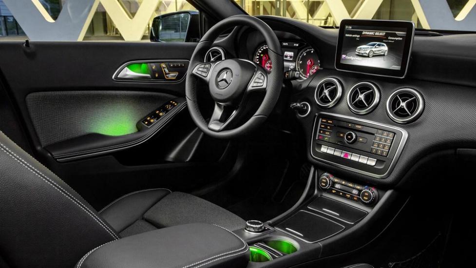 Интерьер Mercedes-Benz A-Class