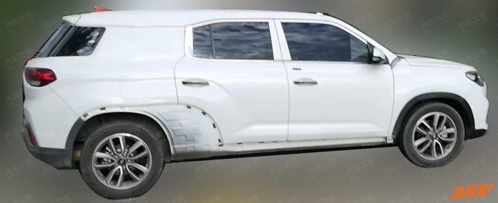 Первое фото совершенно нового кроссовера Hyundai