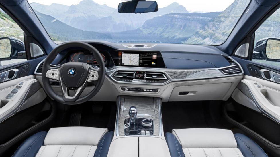 Интерьер BMW X7
