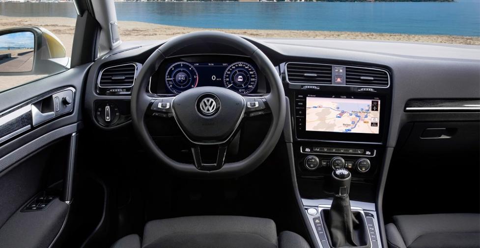 Интерьер Volkswagen Golf