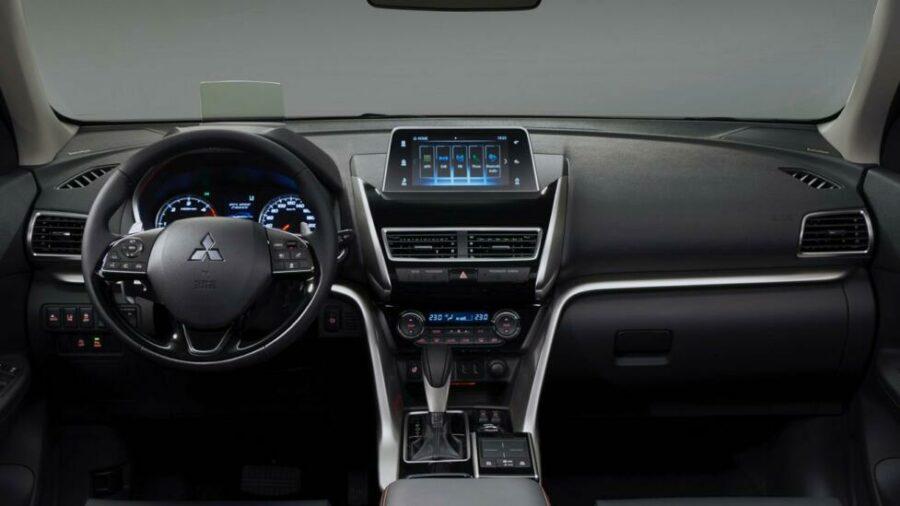 Интерьер Mitsubishi Eclipse Cross обновили