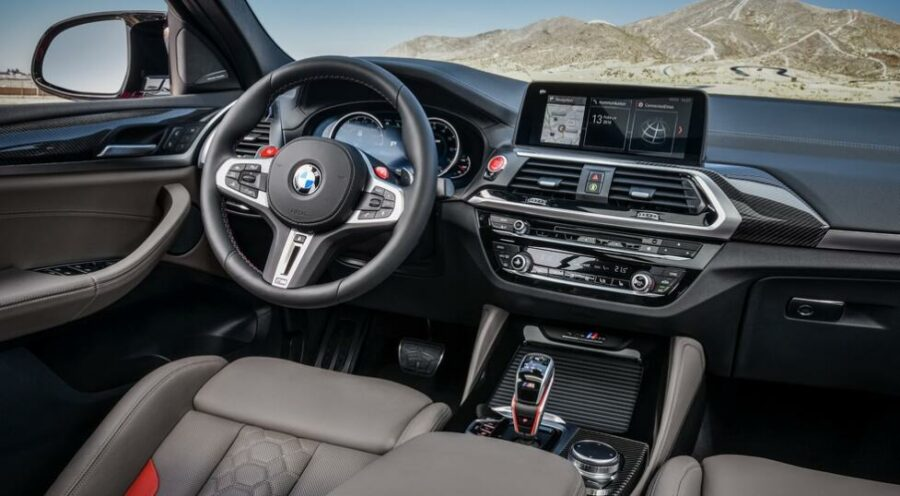 Интерьер BMW X4 M Competition