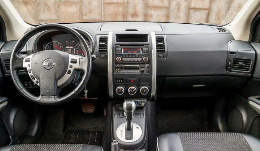 Интерьер Nissan X-Trail II