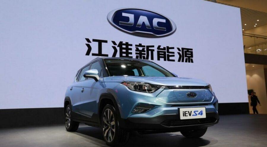 Представлен новый китайский кроссовер JAC iEVS4 на электрической тяге