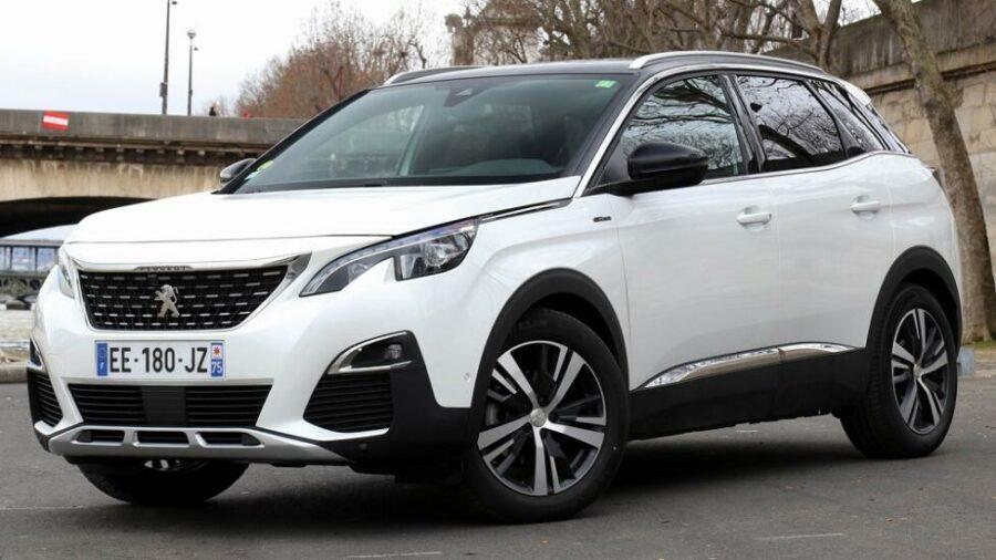 Peugeot 3008 II - лучший кроссовер стоимостью до 2000000 рублей
