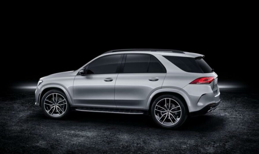 Вид сбоку  Mercedes-Benz GLE 580 4Matic