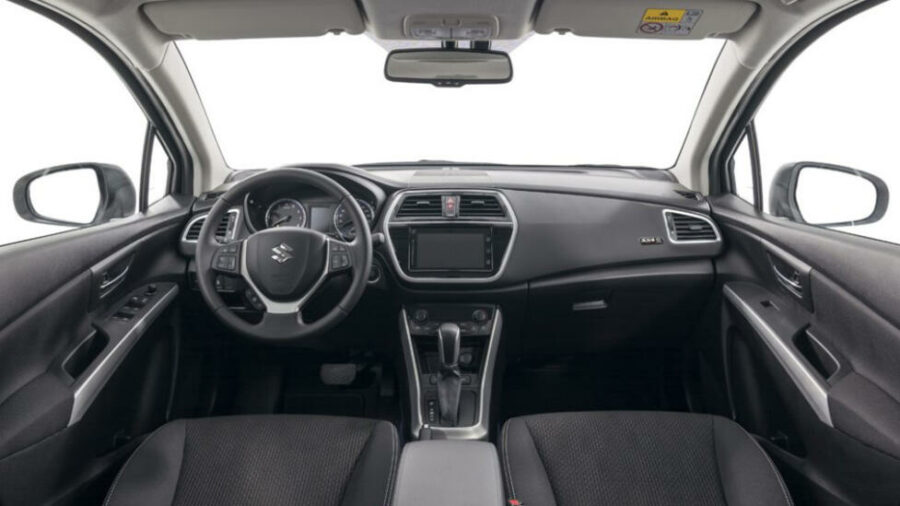 Интерьер Suzuki SX4 Tabi