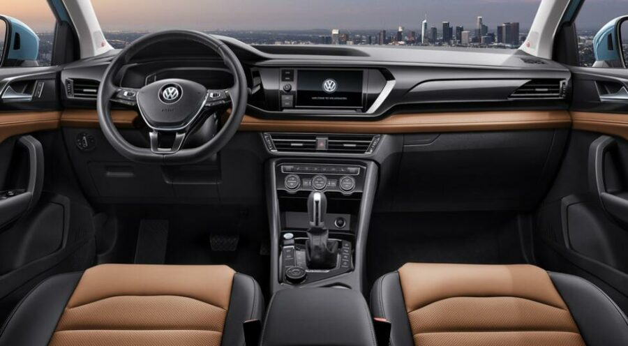 Интерьер Volkswagen Tharu