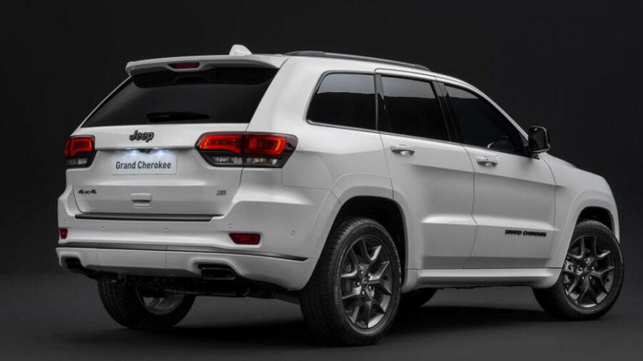 Вид сзади Jeep Grand Cherokee S-Limited