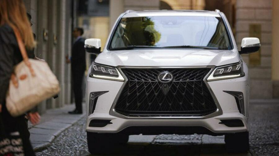 Первое фото японского внедорожника Lexus LX Sport 2 2020 года