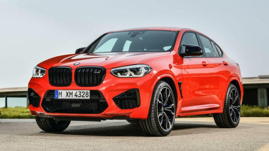 Вид спереди BMW X4 M