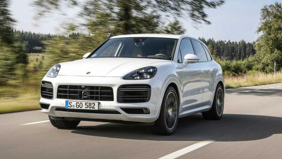 Объявлены цены на гибридную самую мощную версию Porsche Cayenne Turbo S E-Hybrid для России