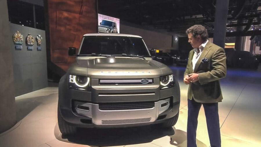 Британский внедорожник Land Rover Defender 2020 года