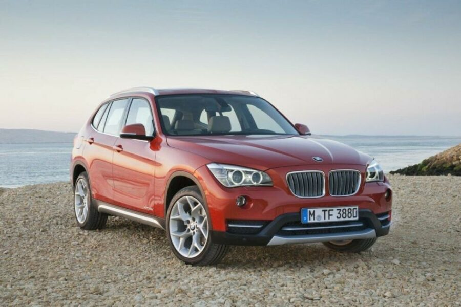 Лучший премиальный б/у кроссовер до 900000 рублей - BMW X1 I Рестайлинг