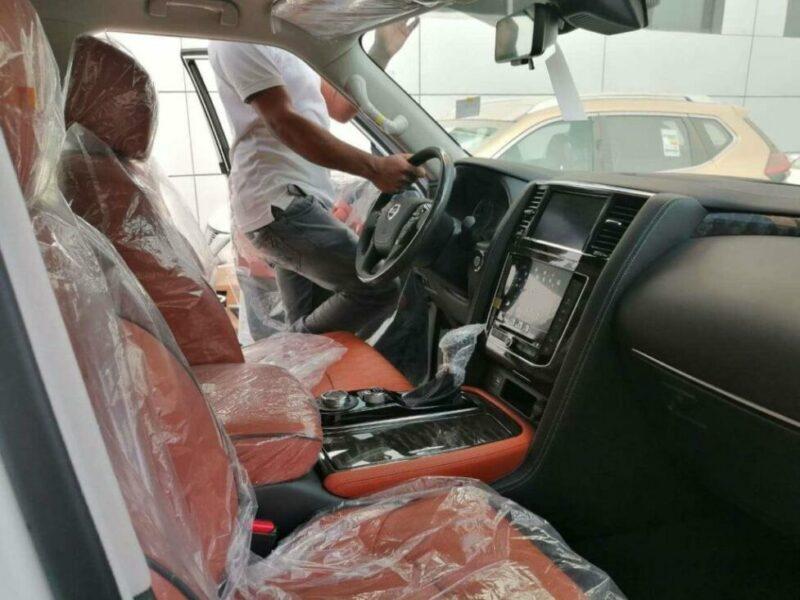 Интерьер Nissan Patrol