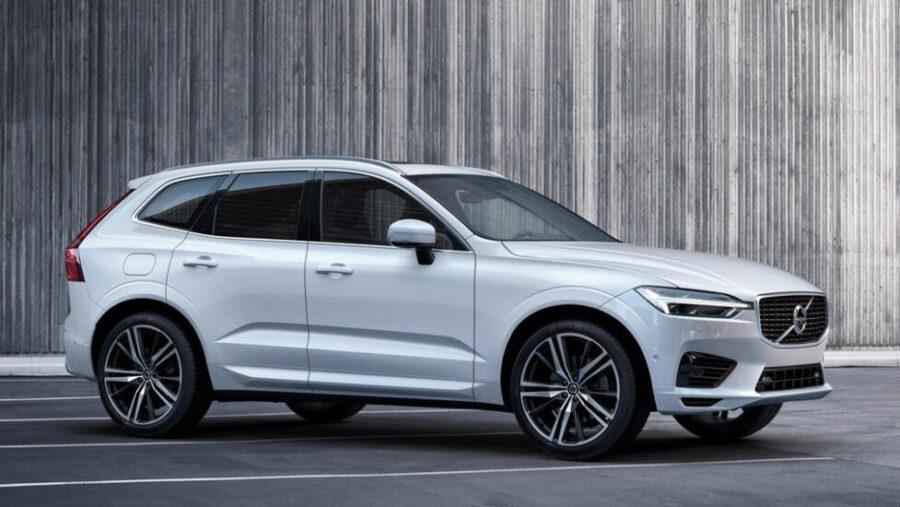 Объявлены рублевые цены на гибридный кроссовер Volvo XC60 T8 Twin Engine.